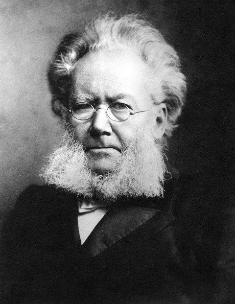 MANGE NAVN: Dikter Henrik Ibsen har satt sine spor i valg av navn i Skien. Det gir utfordringer.