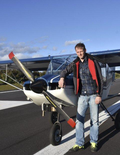 Flyver: Asbjørn Rugnes har sertifikat for mikrofly, og ville gjerne ha mulighet til å lande på Vegår nå om vinteren. Arkivfoto