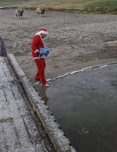 I år som i fjor blir det julebad 24. desember. Det er meldt 4 plussgrader på julaften.