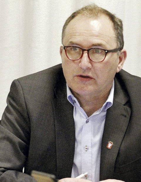 HAR STOR INNFLYTELSE: Rådmann Hans Erik Utne er øverste leder for administrasjonen i Holmestrand kommune.