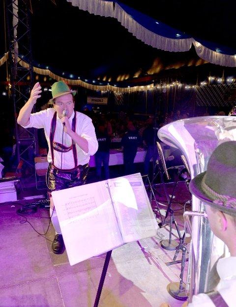 Stødig: Heljar Berge ledet publikum gjennom kvelden.