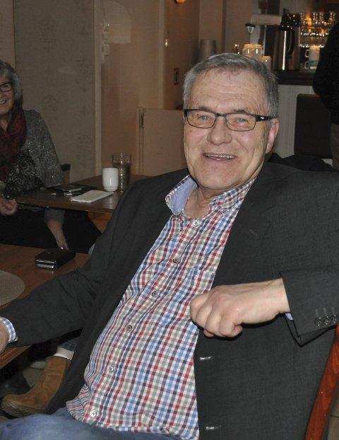 LEDER:  Jørn Witzøe er leder for jazzklubben, og kunne torsdag kveld komme med gladnyheten om at det blir jazzfestival i år.