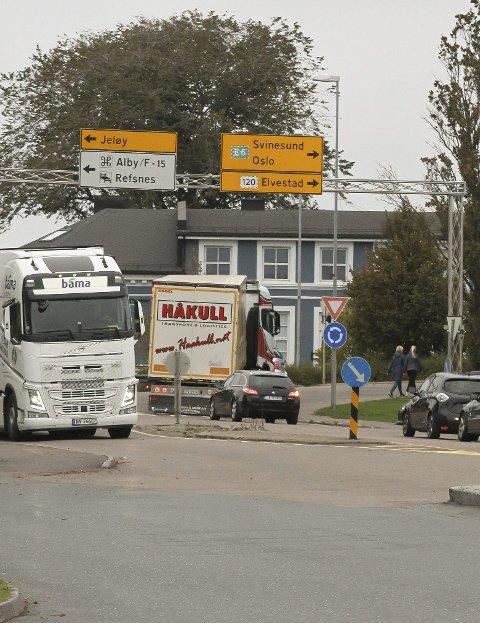 Kø: RV 19, med eller uten Jeløy-trafikk.