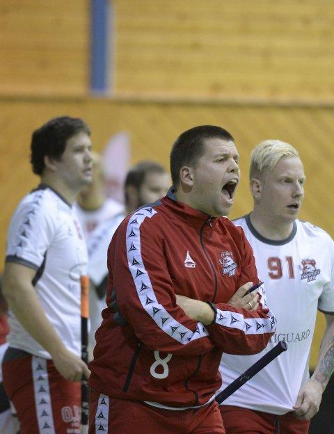 TAP: FIBK-trener Michael Hemstad hos FIBK.