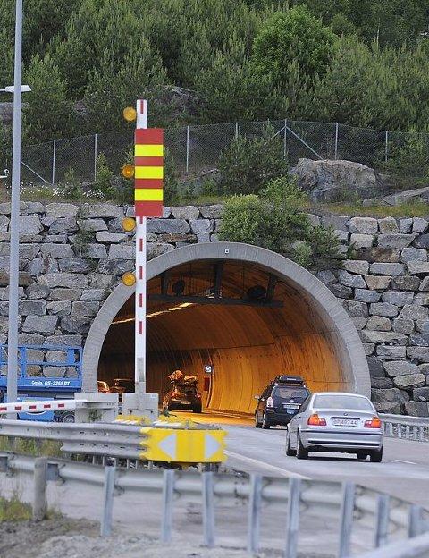 Åpner: Utbedringsarbeidet i tunnelen pågår helt frem til sommeren 2017.