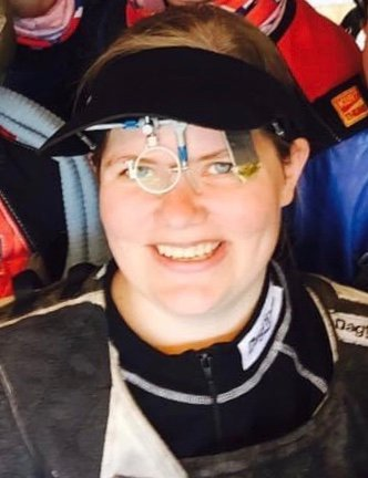 VIL HA MED FLERE:  Leder for nyetablerte Namsos Sportsskytterlag, Ann Cathrine Sverkmo Walleraunet, ønsker at flere melder seg på i laget. Hun mener sporten passer for store og små, ung og gammel.