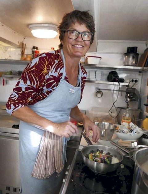 Kreativ: Trine Jenssen har mange jern i ilden. Nå har hun startet basthaven design i Tvedestrand.