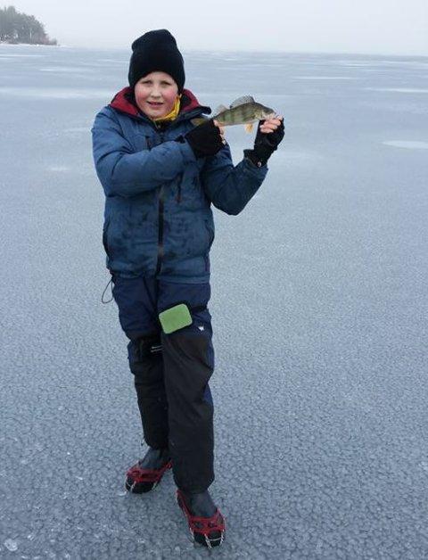 Lars-Magnus Bjørnstad har fisket på isen siden han var fire år.