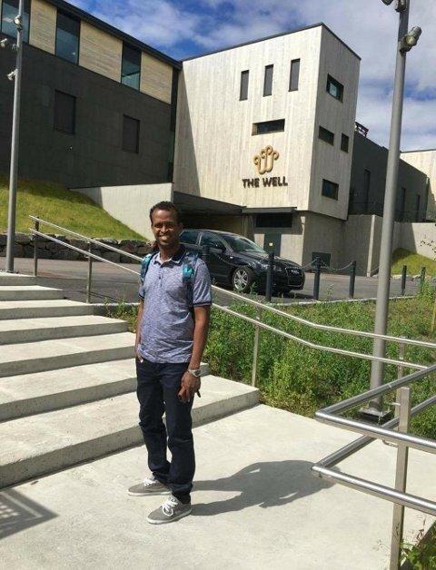 BIOINGENIØR: Mahamud jobbet som bioingeniør på Ullevål sykehus, men har nå mistet arbeidstillatelsen sin.