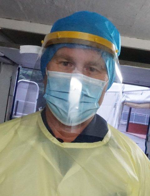 TEST DEG: Kommuneoverlege Ole Johan Bakke ber alle med symptomer om å teste seg for korona-viruset.