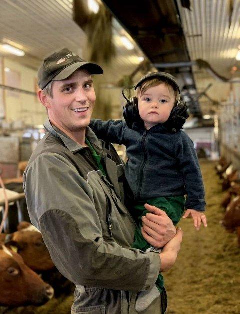 FINALIST: Melkebonden Iver Tyldum (33) fra Høylandet er en av 13 finalister som konkurrerer om å bli Årets unge bonde.