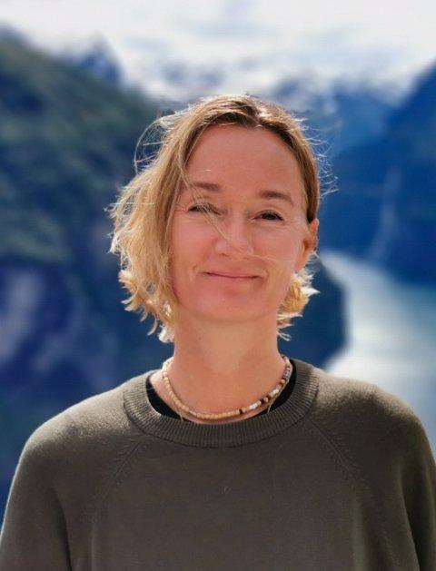 – Jeg ønsket å bidra, sier Hege Johanna Staaf-Pettersen nyansatt smittesporingskonsulent i Nesodden kommune.