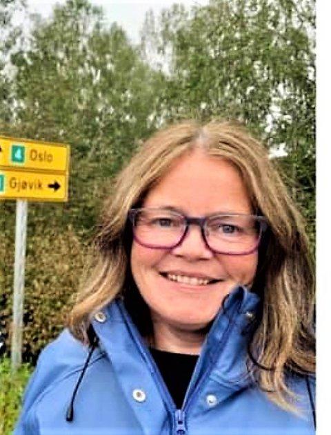 FEIL: – Jeg mener det er grunnleggende feil å kjøre ungdommer fra Gjøvik til Dokka eller Raufoss fordi de ikke kommer inn på sin nærskole, sier Kari-Anne Jønnes, som innstilles av nominasjonskomiteen til førsteplass på Høyres stortingsvalgliste i Oppland.