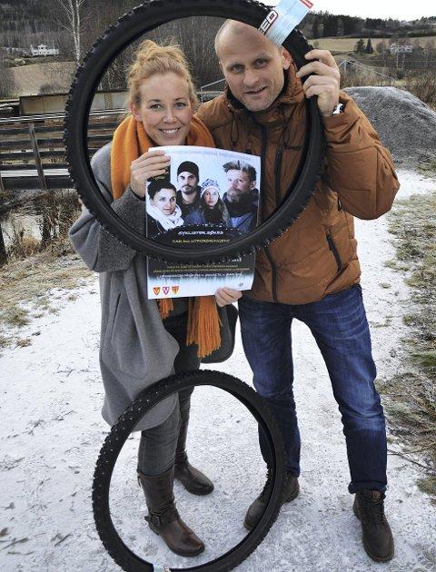 Kristin Molstad og Sven Sandvik oppfordrer hadelendinger til å vintersykle til og fra jobb.