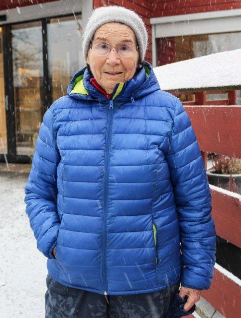 OPPGITT: Gerd Isberg (89) i Moss får ikke bruke frisøren hun har gått til i 15-16  år. Dette stoppes av en EØS-bestemmelse.