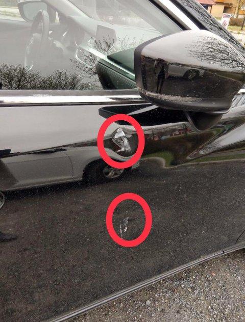 To bulker i passasjerdøra ble resultatet etter en times parkering på Bjørkelangen for Kine Halvorsrud Glende.