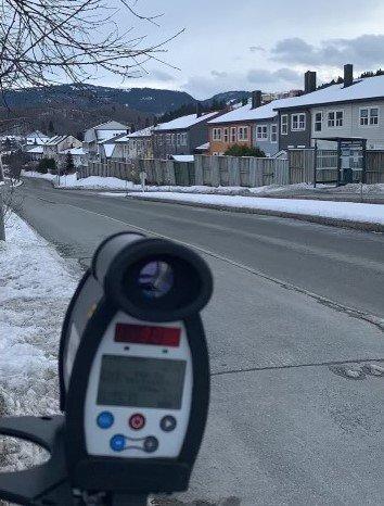 UP gjennomførte en trafikkontroll i Fossetuvegen ved Okstad skole torsdag.