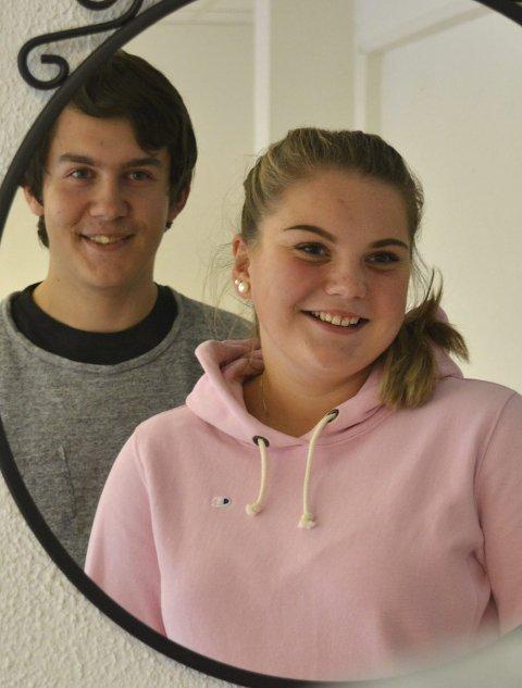 Ødeleggende: Simen Stillingen og Ingrid Næss Heslien har sammen med de andre elevene i 1STB skrevet om hvordan speil kan ødelegge for ungdommer.