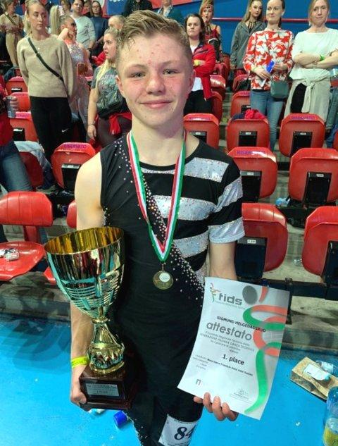 TIL TOPPS: Sigmund Helgedagsrud er junior-europamester i discodans, freestyle.