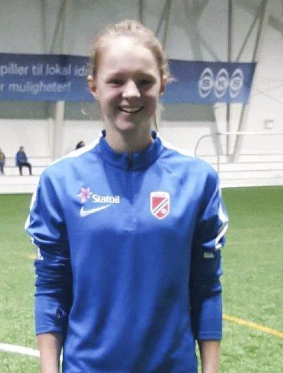 TALENT: Halsøy-spiller Malin Meek, som fram til i år spilte for Grane, regnes som en av de mest spennende spillerne i sitt årskull.