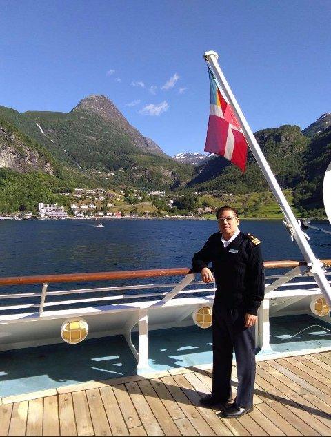 SKIPSLEGEN FRA MANILA: Arnold P. Hicarte var skipslege om bord på Hurtigrutens MS Roald Amundsen.