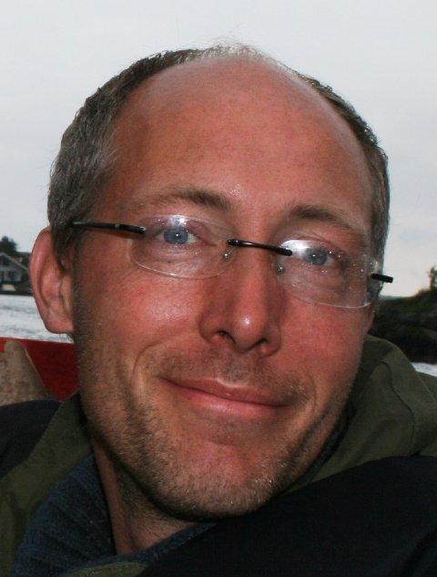 Henrik U. Irgens jobber ved Nasjonalt kompetansenettverk for legemidler til barn.