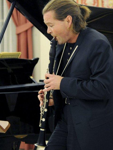 KLAVERVERK:  Komponist og klarinettist Roger Arve Vigulf har komponert et klaververk som urframføres i oktober.