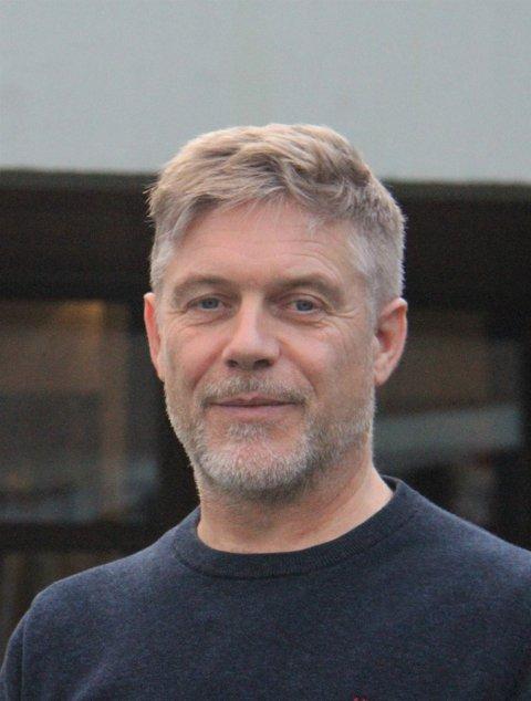 Omsorgssjef Lars Pleym Ludvigsen i Vestvågøy sier at brukerundersøkelsene lider under den økonomiske situasjonen i kommunen.