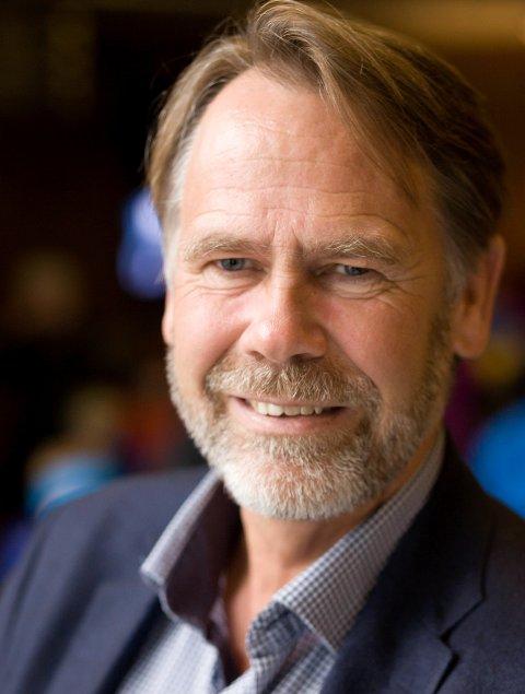 VIKTIG: Leiar i FIN, Bjørn Hollevik meiner ein tunnel mellom Naustdal og Førde vil gjere regionen meir attraktiv for kor dei unge talenta vel å etablere seg.