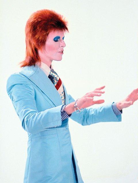 YTRING: Fakta om LEX - Larvik Experimental Music festival 2019 - bildet er av David Bowie, Life on Mars, 1972.