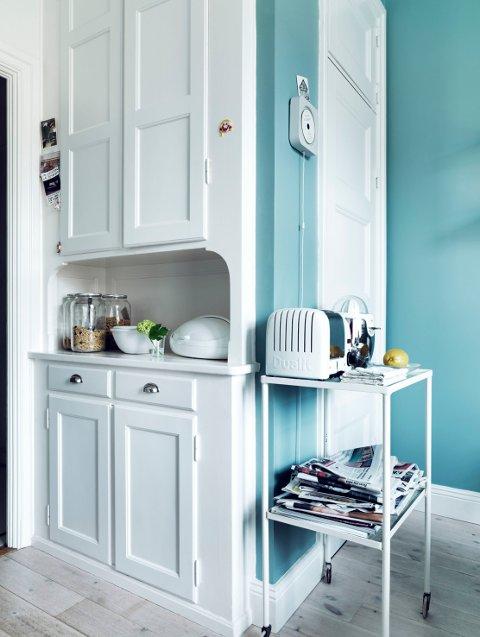 På et kjøkken bør malte vegger kunne vaskes med klut og eventuelt rengjøringsmidler.