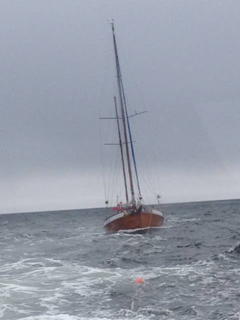 Båten ble slept til Nevlunghavn