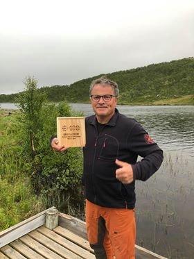 Anders Hegseth fant fjellstyregaven i Ålen. Nå er en ny gaveeske lagt ut.
