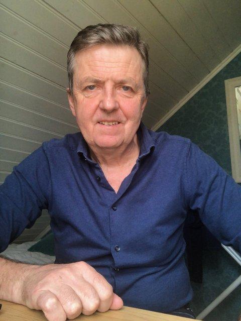 SJEFEN: Kommuendirektør Trond Aslaksen fra sitt hjemmekontor. Neste uke markerer han seks år i toppstolen i kommunen.