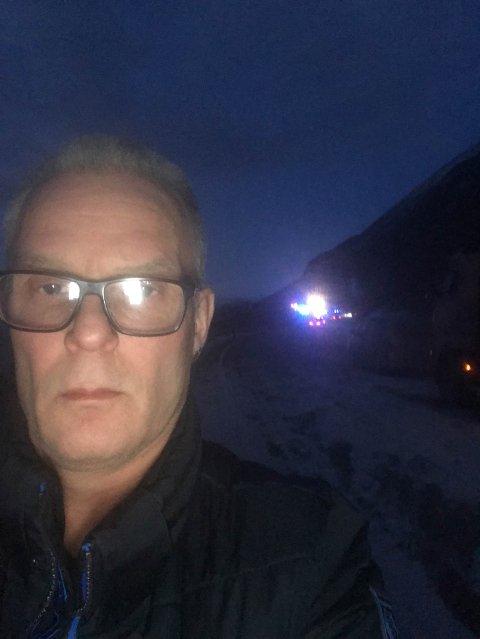 KØ: Bengt Stabrun Johansen og mange andre venter på at veien skal åpne.