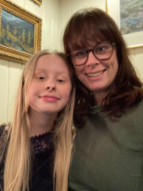 GJERDRUM: Da Annie Marie og Lene Baltersen flyttet fra Inderøy til Gjerdrum i sommer, vurderte de hus i rasområdet. - Bygda er veldig lik Inderøy, sier hun.