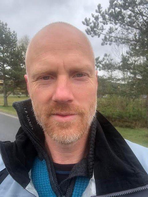BYTTER JOBB: Nils Petter Bjerke (47) slutter som lærer på Våk skole og blir i stedet rektor på Svinndal skole.