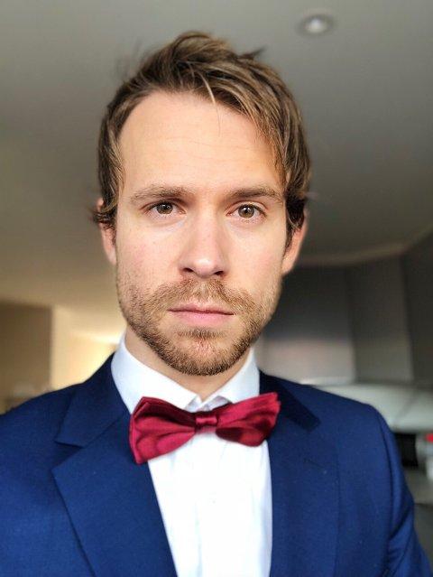 ANERKJENNELSE: Hallvard Ulsund har nettopp gitt ut sitt eget album. Han har i tillegg oppdraget med å lage jingler til podcasten Nerdelandslaget, og nå skal han også lage ei låt til Stian Blipps nye soloshow.