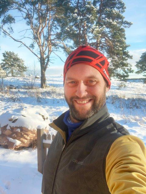 -Entusiasme og giverglede ga Lindhøy skole snøkanon på en dag, sier FAU leder Caspar Rieber-Mohn.