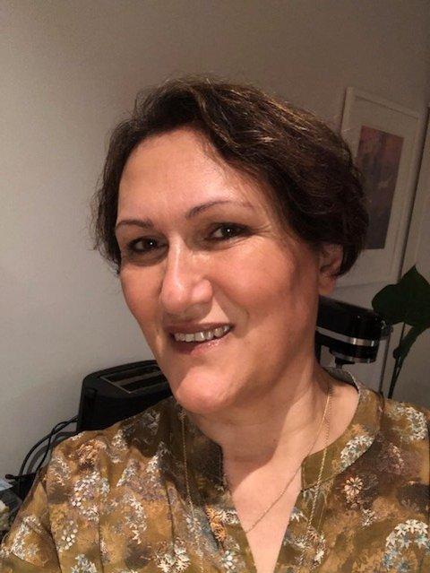 MED FAMILIE: Noushin Niknam skal feire med de hun bor med, og velger heller å feire dobbelt neste år.