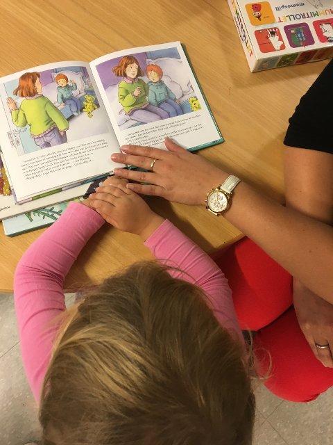 Høyre vil ha en skole som gir muligheter for alle. Etter snart fire år med Høyres kunnskapspolitikk, ser vi at pilene peker riktig vei. Elevene lærer mer, er mer til stede og flere gjennomfører.