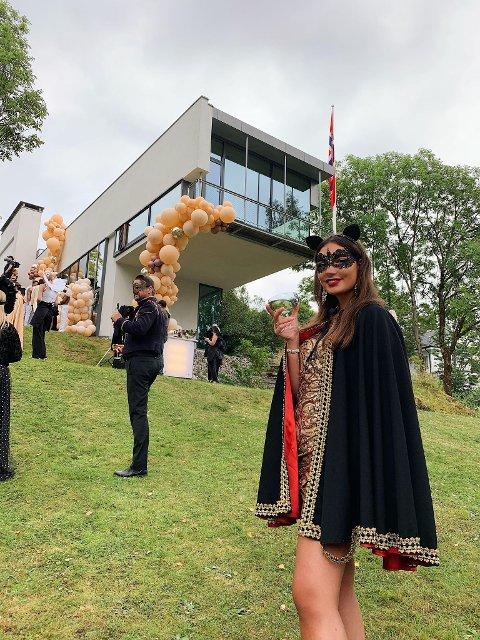 PÅ INNSPILLING: Celestina (24) fra Nesodden blir å se i den prisvinnende NRK-serien Exit når sesong to slippes fredag kveld.