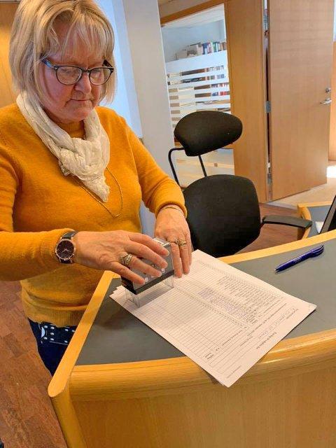 STEMPLET VALGLISTA: Rita Herrem på servicetorget i rådhuset.
