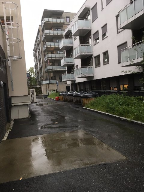 Slike boligblokker i Ås sentrum flytter ikke barn inn i. Derfor ikke behov for fire paralelle klasser ved Åsgård skole.