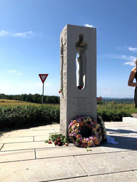 ÅS: Det blir minnemarkering ved minnesteinen i Nordby i dag.