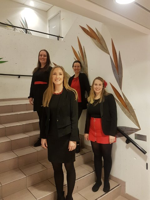 Røyst: Fra venstre Ingrid Sandvik, Ingeborg Singsdal, Tuva Vaage Brådalen og Anne Berit Jordal klare for konsert på Sunndal Kulturhus.