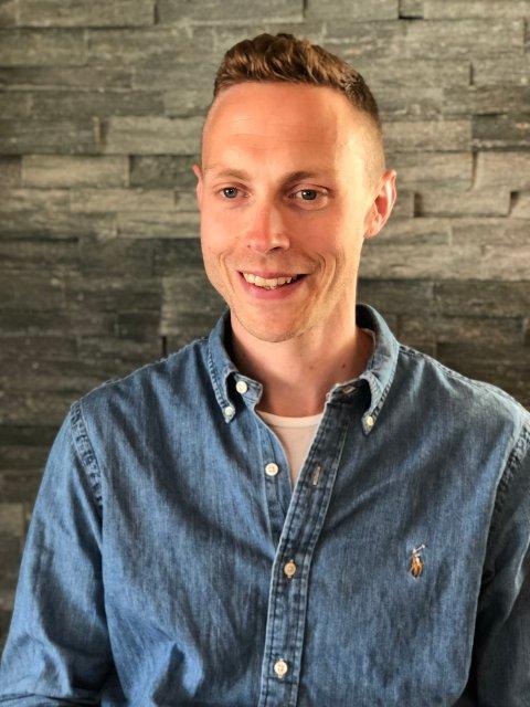 Kjetil Dørhellen starter som rektor ved Sande skole i august.