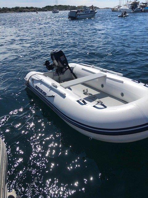 Denne båten ble funnet i nærheten av Risør havn mandags formiddag.