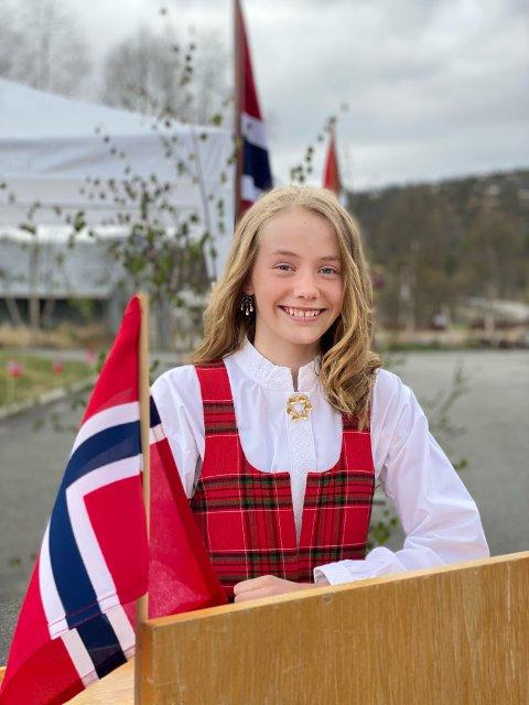 DAGENS TALER: Elevrådsformann Johanna Tjørhom i 7. klasse på Sinnes skule  holdt dagens tale på Sinnes.