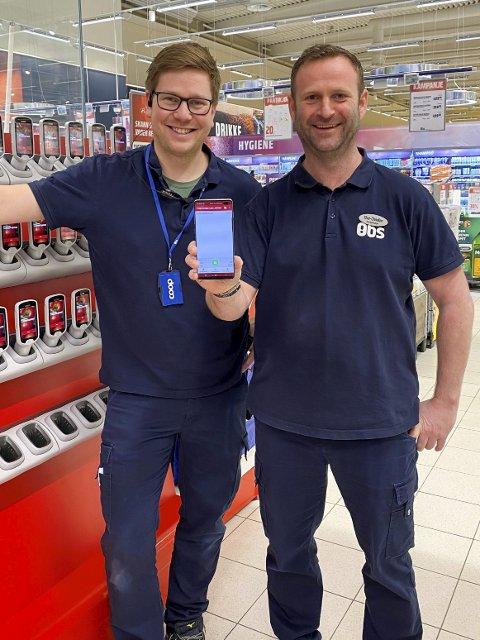 Nytt tilbud: Coop Obs lar kundene bruke mobilen.